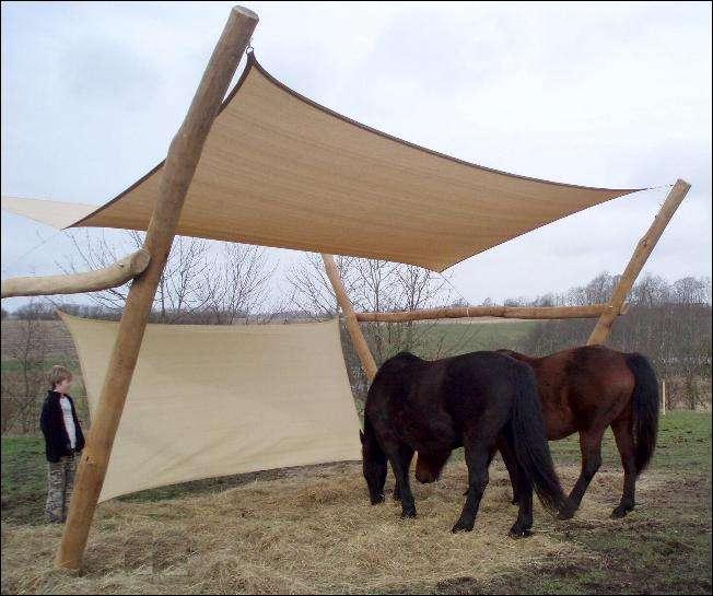 Elegant læskærm af lærreds-sejl til heste og andre dyr