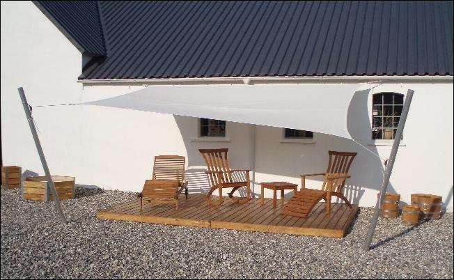 Hyg dig udenfor i solens varme med et solsejl fra SkovTrup
